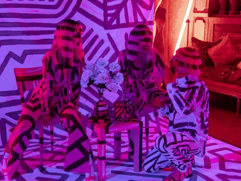 bodypainting actrices photocall personnalisé insolite loft baroque paolo calia paris 19 arrondissement france soirée privée stripes agence wato we are the oracle evenementiel events