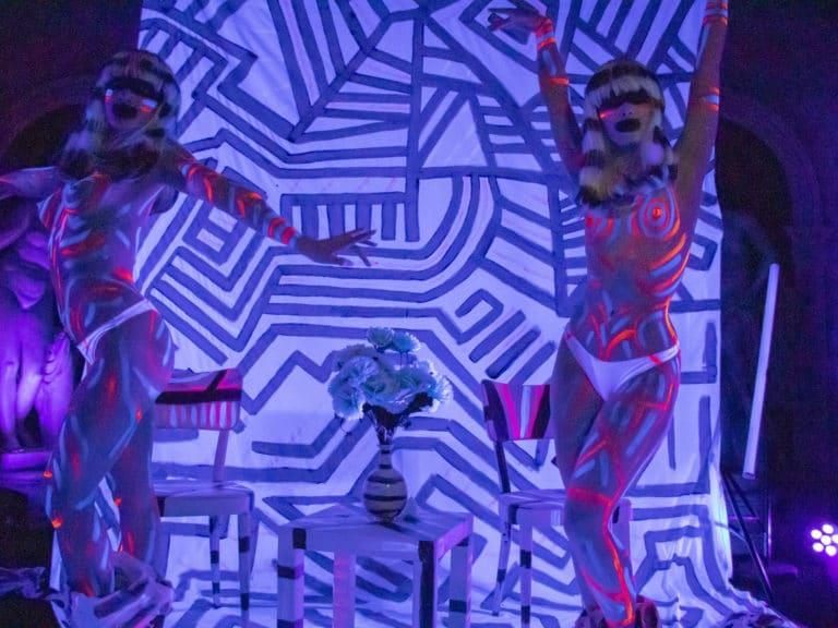bodypainting actrices photocall personnalisé loft baroque paolo calia paris 19 arrondissement france soirée privée stripes agence wato we are the oracle evenementiel events