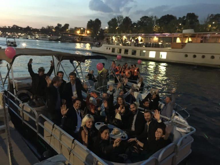 champagne fun sunset bateaux privatisation seine jardin tuileries port de solférino quai Anatole France paris 10 ans Voyage Privé agence wato we are the oracle evenementiel events