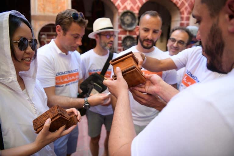 chasse au tresor boite casse tete medina marrakech team building voyage maroc maghreb scenographie sur mesure domofinance challenge agence wato we are the oracle evenementiel