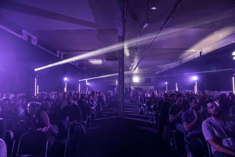 dc4 conference keynote speech pitch salon scaleway scenographie sur mesure scaleway scaleday paris france agence wato we are the oracle evenementiel events