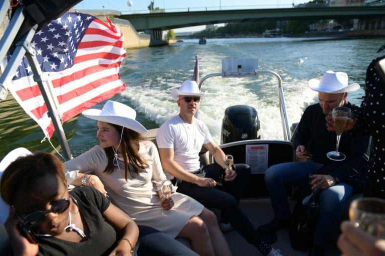 croisière bateaux luxe champagne seine drapeau usa Port de grenelle haut paris france diner leboncoin thème usa américain agence wato we are the oracle evenementiel events
