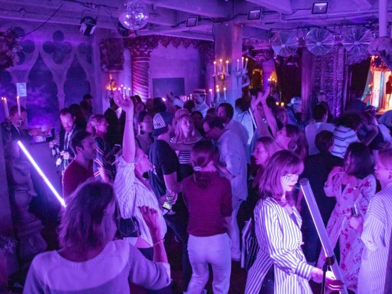 dancefloor soirée dansante loft baroque paolo calia paris 19 arrondissement france soirée privée stripes agence wato we are the oracle evenementiel events