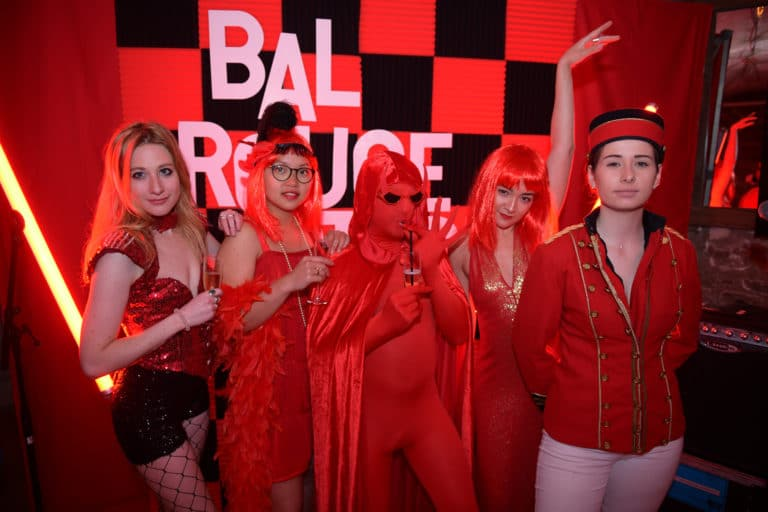 hyomi legendre photocall scenographie sur mesure red le bal rouge anniversaire client prive agence wato we are the oracle evenementiel event events evenement sur mesure