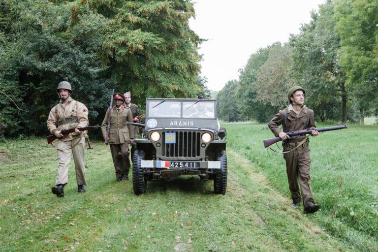 jeep blindé militaire foret marche au pas soldatsfrançais fusils France teaser video Victorious Shelter agence wato we are the oracle evenementiel events