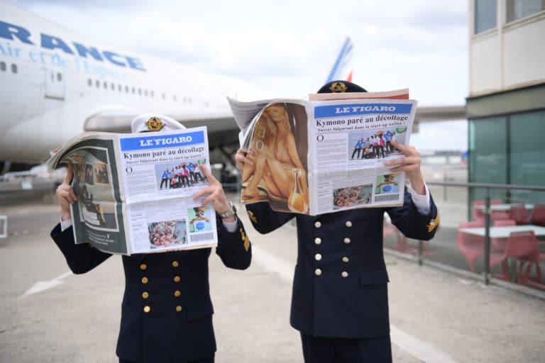 aéroport bourget le figaro journaux personnalises brandes pilotes de ligne air france tarmac avion boeing 747 musee de l'air et de l'espace teaser kymono agence wato we are the oracle evenementiel events