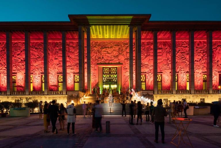 palais de la porte doree de nuit eclairage evenementiel the family the phoenix temple theme jungle evenement sur mesure agence wato we are the oracle evenementiel event