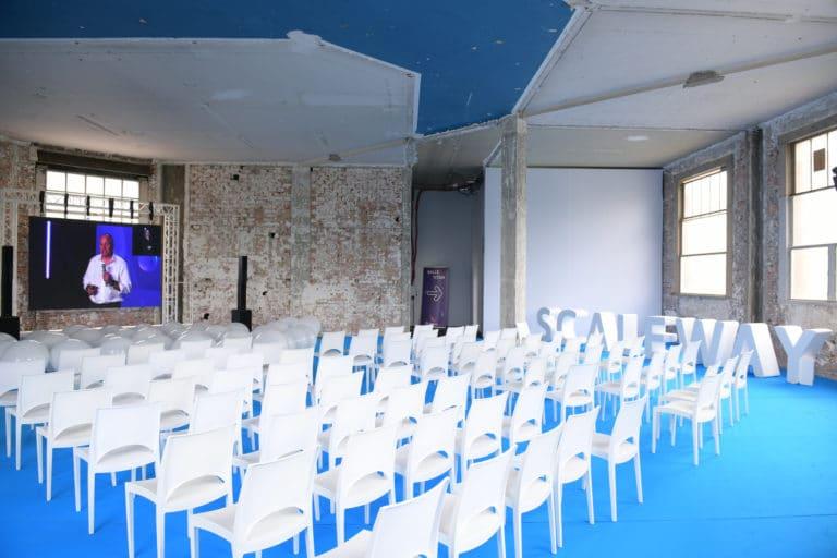 dc4 salle de conference speech pitch salon scaleway evenement sur mesure personnalise scaleway scaleday paris france agence wato we are the oracle evenementiel events