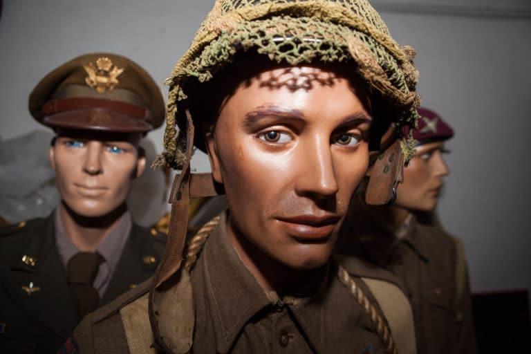 soldats de cire mannequins bunker Abri Lefebvre abri anti atomique paris 15 arrondissement France teaser Victorious Shelter agence wato we are the oracle evenementiel events