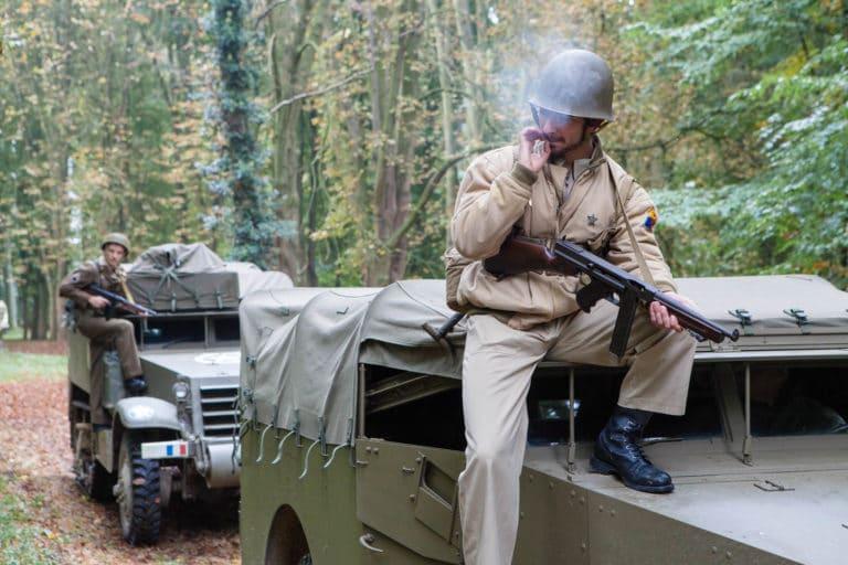 soldats français acteurs blindés jeep véhicule militaire seconde guerre mondiale France teaser video Victorious Shelter agence wato we are the oracle evenementiel events