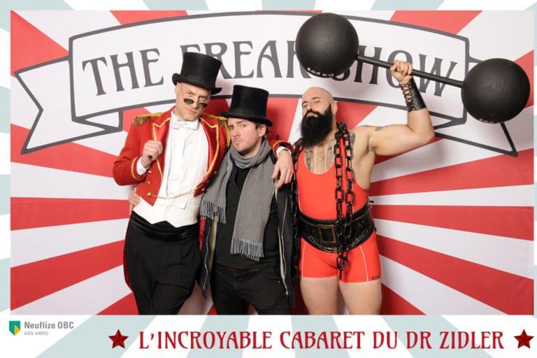 wato-agence-evenementielle-paris-cirque-bormann-zidler-cabaret-serpent-danseur-bus-tour-eiffel-chapeau-écharpe-présentateur-photocall-piste-magicien-serveux-champagne-clown-21