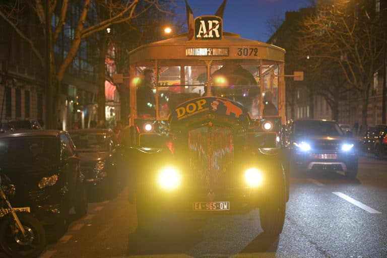 bus-TN4-tour-eiffel