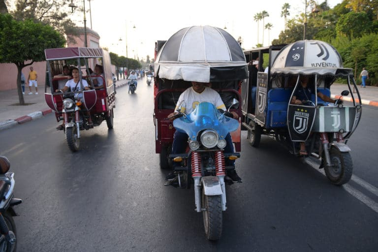 tuk tuk tapis transport inedit fun place Jemaa el Fna soleil voyage incentive team building voyage agence wato evenementiel event taleo cinq ans the tatane project marrakech maroc maghreb