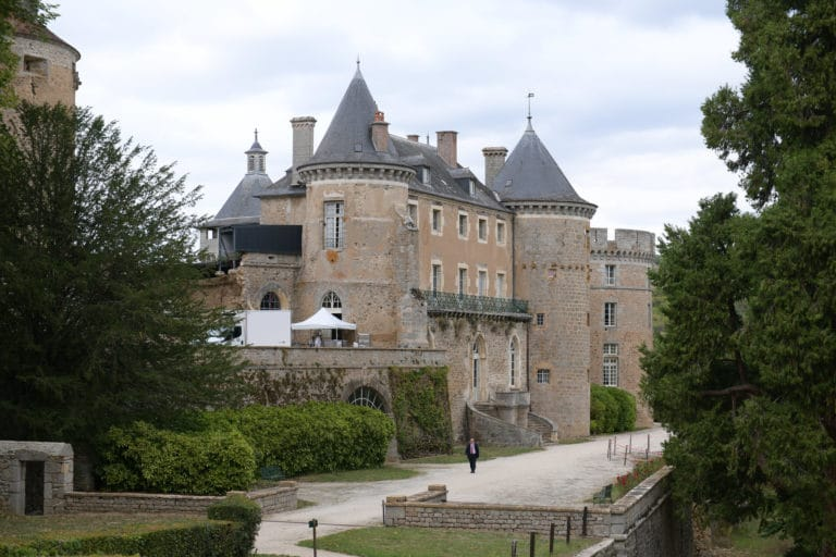 chateau de chastellux chastellux sur cure hyonne bourgogne franche comté france mount vernon usa agence wato we are the oracle evenementiel event