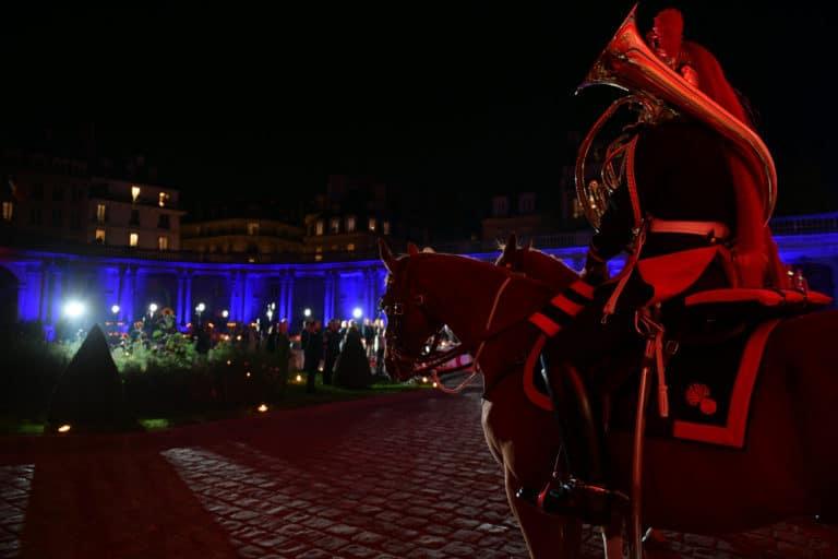 corps garde republicaine chevaux hotel de soubises particulier paris cours honneur diner cent personnes seminaire usa agence wato evenementiel