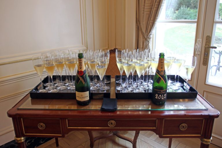 degustation champagne milesime caves moet & chandon reims bouteilles champagne ardennes france ladies of mount vernon usa agence wato we are the oracle evenementiel event