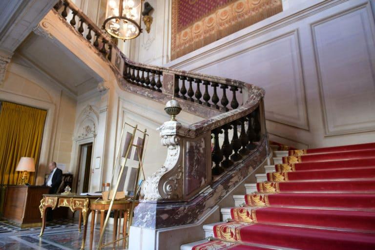 escalier tapis rouge red carpet Cercle de l'union interalliée mount vernon goerge washington agence wato we are the oracle
