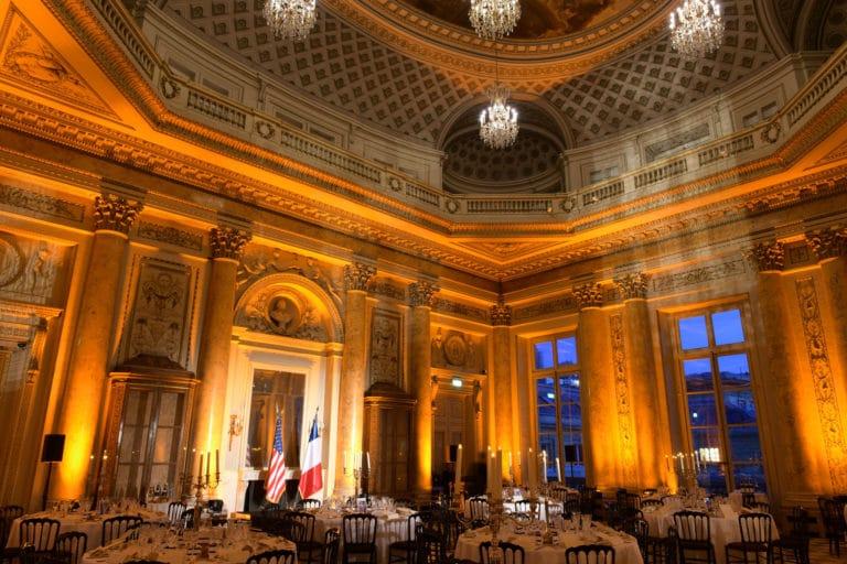 tables diner de gala salon dupré Monnaie de paris france lustres george washington mount vernon usa agence wato evenementiel we are the oracle event