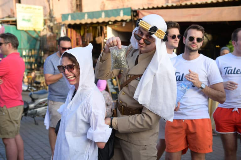 pauline prevost gregoire desrouseaux acteur Jemaa el Fna souk soleil voyage incentive team building voyage agence wato evenementiel event taleo cinq ans the tatane project marrakech maroc maghreb