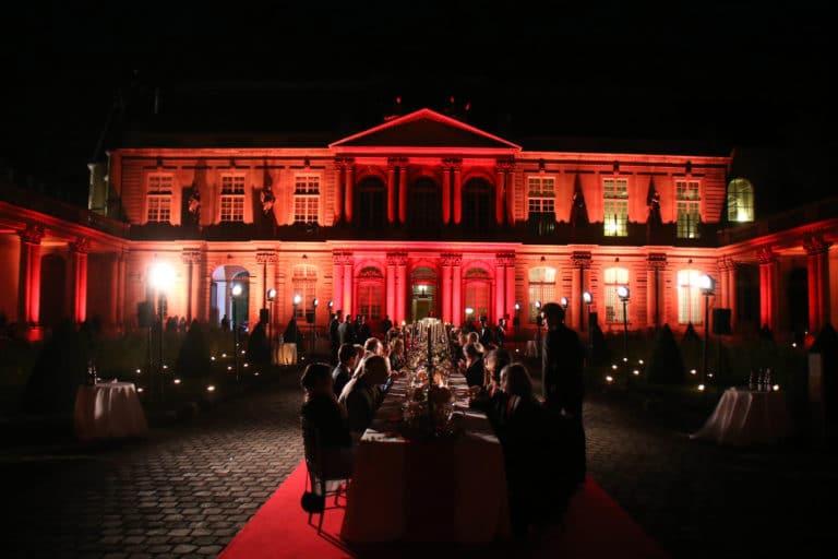mapping hotel de soubises hotel particulier paris cours honneur table diner cent personnes seminaire usa agence wato evenementiel event
