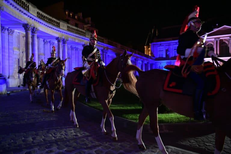 capitaine jacques leblay fanfare à cheval garde republicaine chevaux hotel de soubises particulier paris cours honneur diner cent personnes seminaire usa agence wato evenementiel