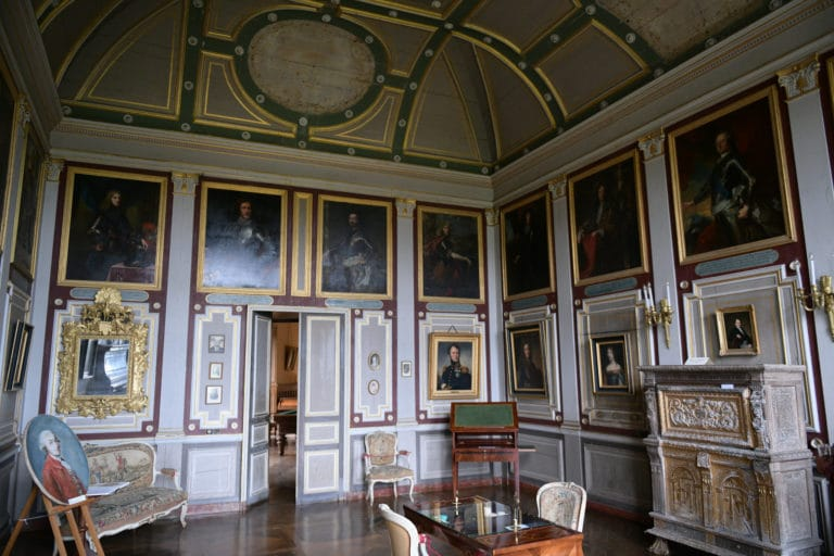 salon prive tableaux chateau de chastellux sur cure hyonne bourgogne franche comté france mount vernon agence wato we are the oracle evenementiel event
