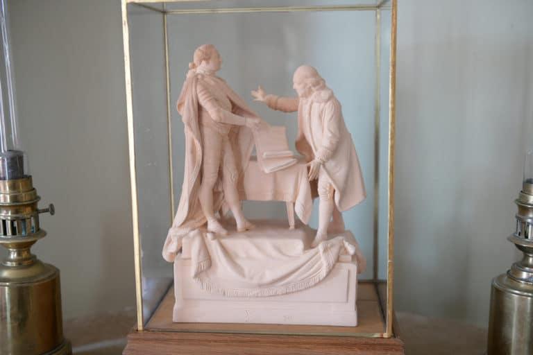 sculpture chateau de chastellux sur cure hyonne bourgogne franche comté france mount vernon agence wato we are the oracle evenementiel event