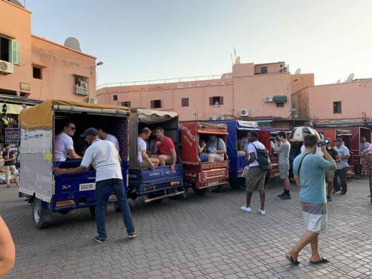 tuk tuk tapis transport inedit fun place Jemaa el Fna soleil incentive team building voyage agence wato evenementiel event taleo cinq ans the tatane project marrakech maroc maghreb