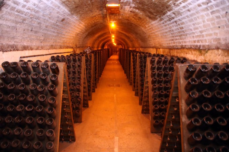 visite privee caves moet & chandon reims bouteilles champagne ardennes france mount vernon agence wato we are the oracle evenementiel event