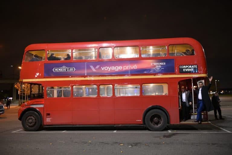 bus impérial brandé agence-wato-evenementiel-vp-members-club-soiree-theme-downton-abbey-two-temple-place londres