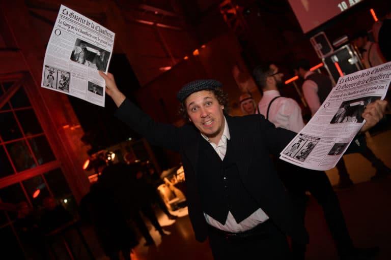 jonathan alix crieur de journaux acteur ecozone habitat evenementiel theme peaky blinders agence wato