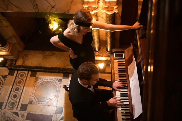wild tonics piano agence wato evenementiel vp members club soiree theme downton abbey two temple place londres (3)