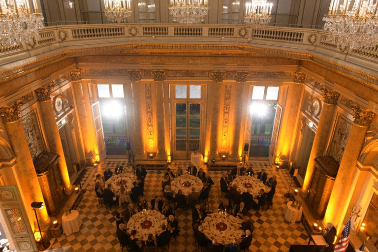 Mount Vernon : Gala dinner in a prestigious factory
