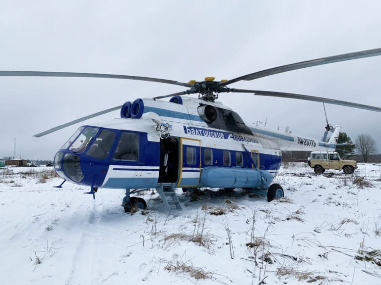 helicoptere-militaire-russe-Mil-Mi-8-balt-airlines-saint-petersbourg-neige-seminaire-immersif-russie-agence-WATO-international-1
