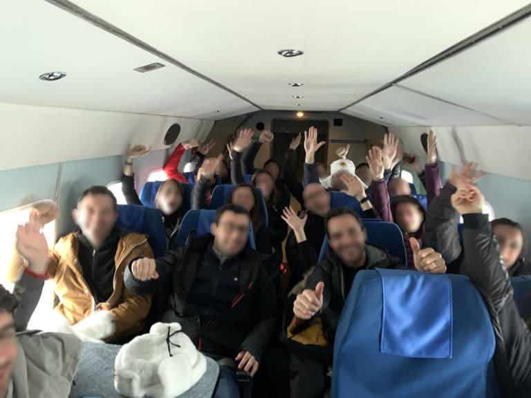 helicoptere-russe-Mil-Mi-8-interieur-balt-airlines-saint-petersbourg-russie-team-building-seminaire-immersif-agence-WATO-international