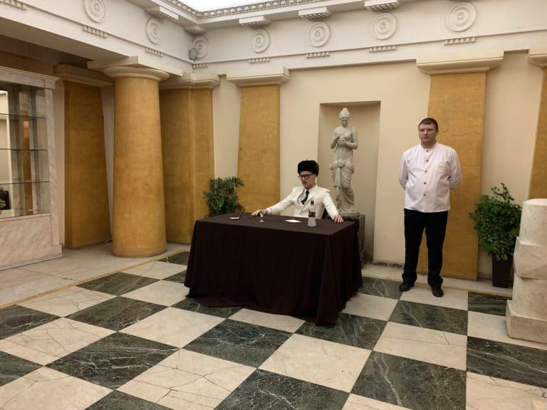 vincent gaeta acteur oligarque russe last palace saint petersbourg russie seminaire immersif agence WATO international