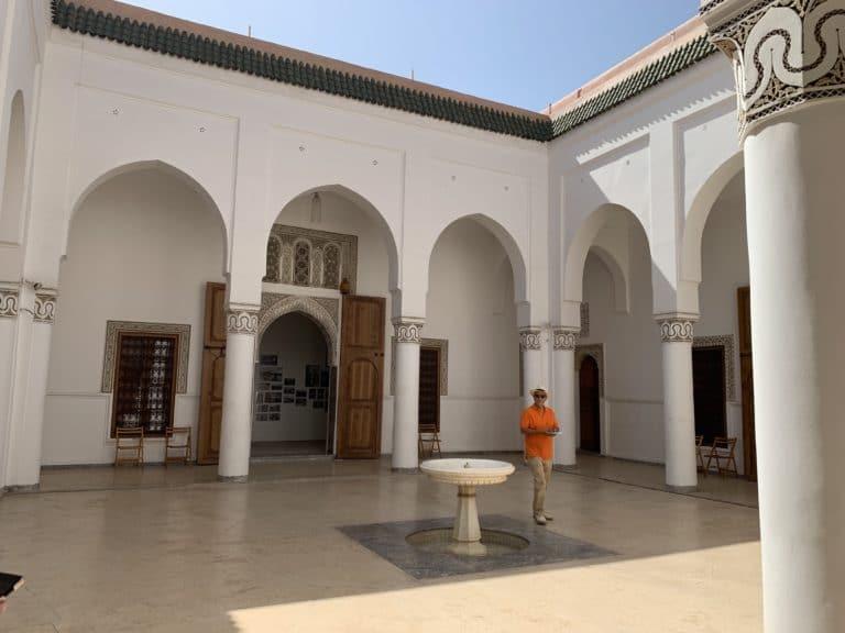 Dar bellarj patio blanc palais medina marrakech maroc