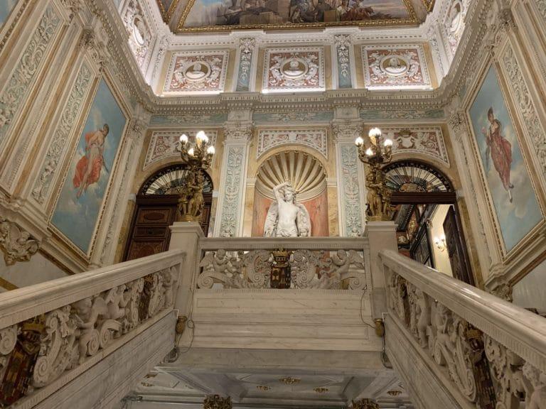 Grand escalier Palacio Santona Madrid lieu evenementiel atypique