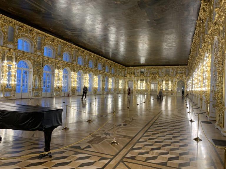 Grande salle de bal du Palais Catherine Saint Pétersbourg Russie