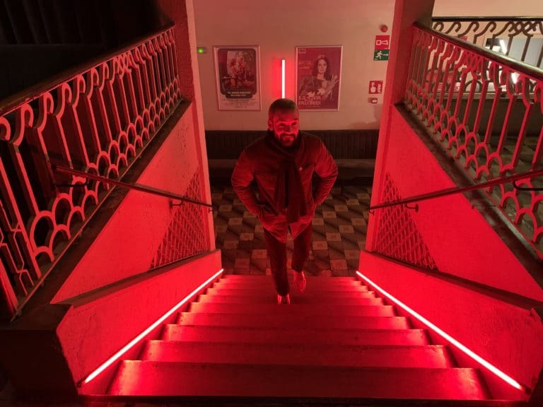 Louis Marie Rohr agence WATO escalier neons rouges sala Equis Madrid