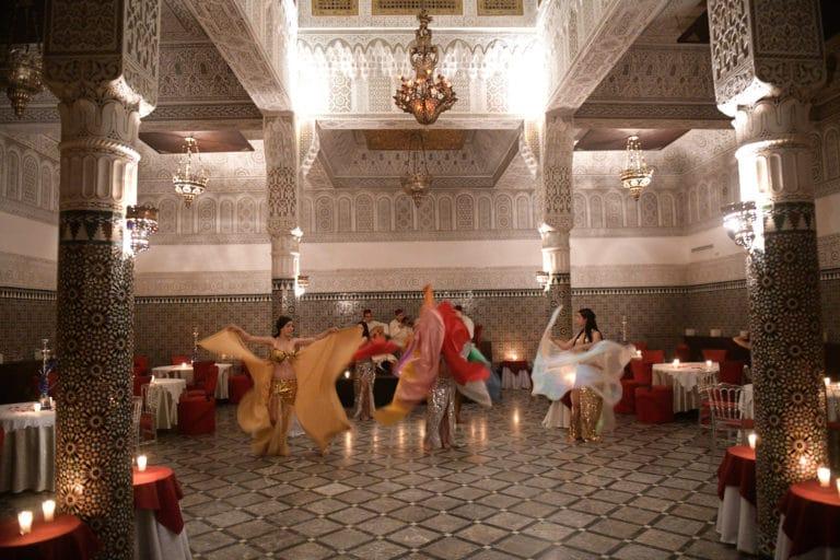 Palais gharnata seconde salle danseuses du ventre marrakech maroc
