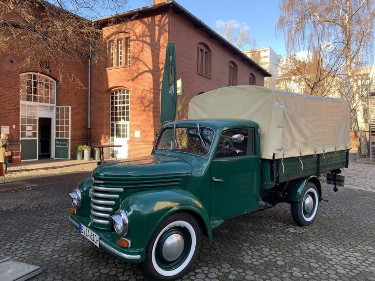 alte-pumpe-camion-vintage-berlin-lieu-evenementiel-