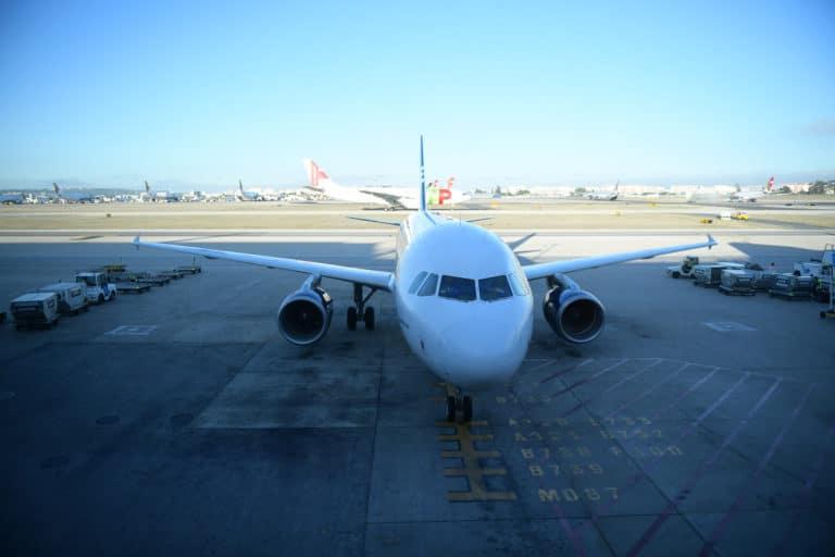 avion tap portugal vue de face