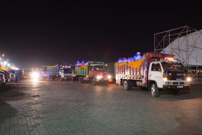 camion marocains festifs nuit marrakech evenementiel