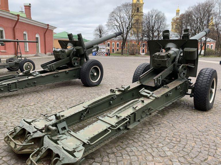 canons forteresse pierre et paul saint petersbourg russie