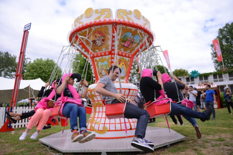 chaises volantes fête foraine theme festival animation activite evenement festif sur mesure plage de lys chantilly france amazonland amazon france agence wato we are the oracle evenementiel events