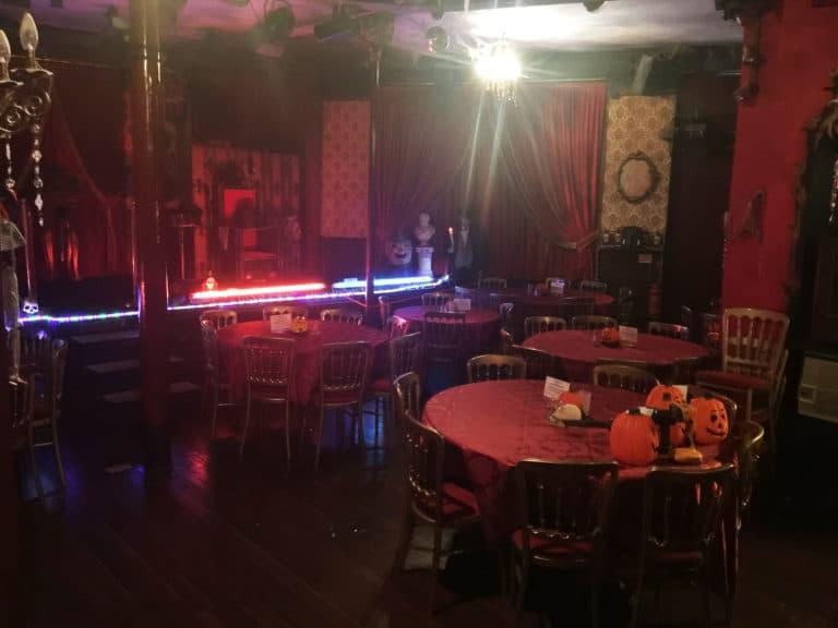 house-of-magic-london-inside-simon-drake-cabaret-red room