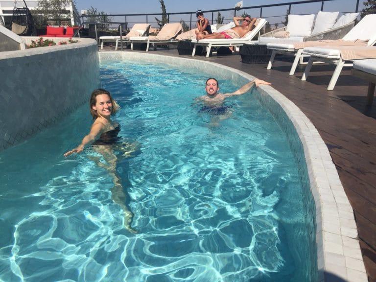 iris de rode foulques jubert piscine rooftop pearl marrakech maroc