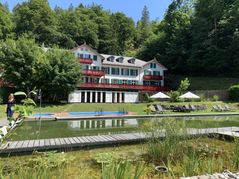maison du personnel grandhotel giessbach piscine naturelle brienz herbes sauvages
