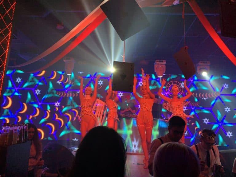 performers danseuses costumes santa barbara club saint petersbourg